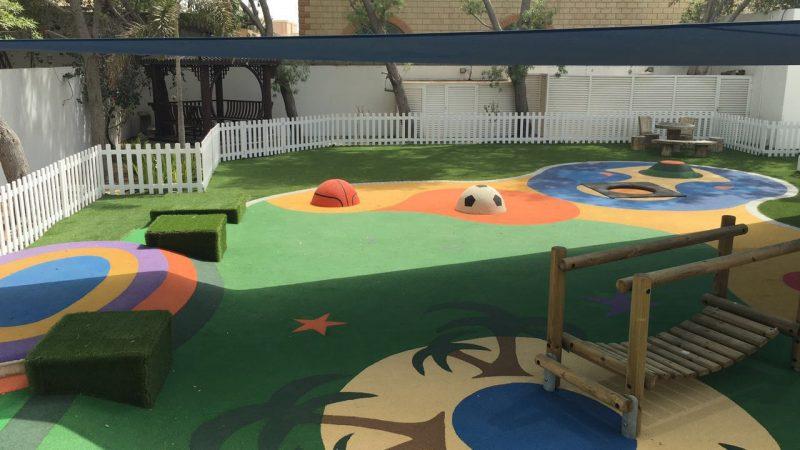 How to choose artificial grass for kindergarten?