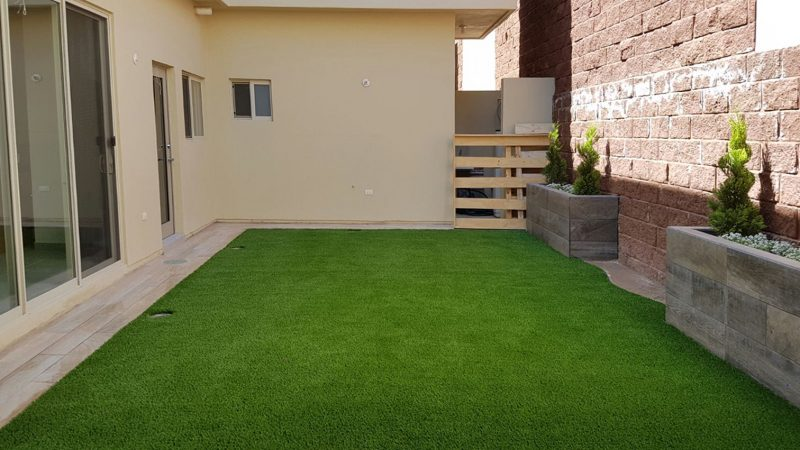 Artificial grass lawn creating gorgeous landscapes for homes