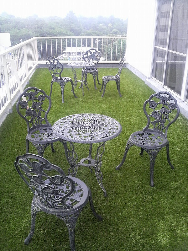 Five benefits Installing Artificial Grass on Balcony