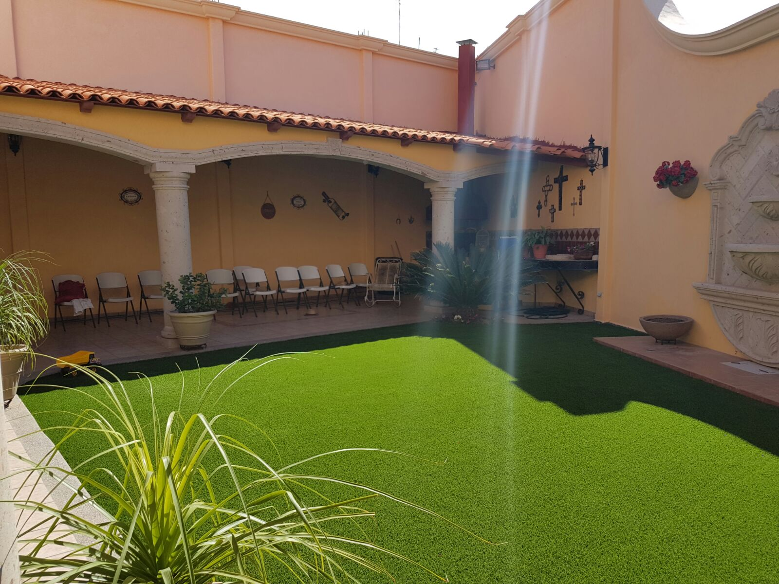 6 Reasons for choosing synthetic grass instead of natural grass
