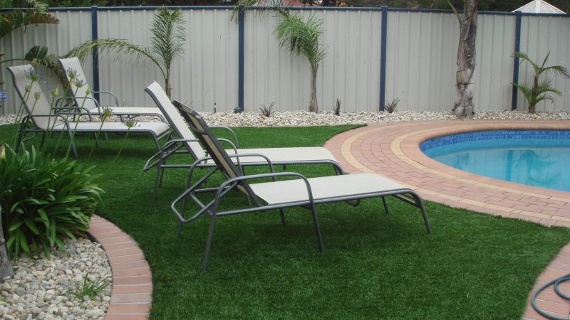 4 Points you can do to make your artificial grass standing straight again