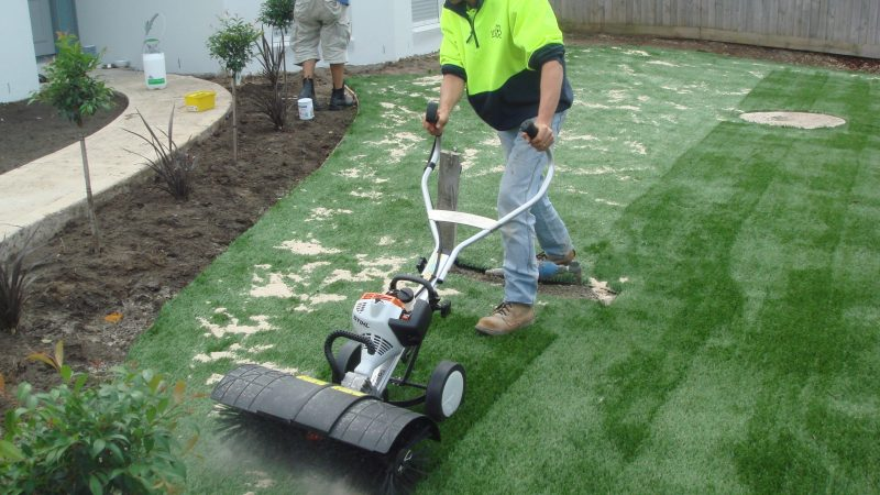 You need to know these points before renovating artificial grass fields