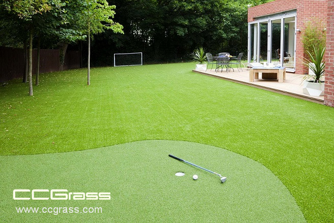 What is the aging signs of artificial lawn
